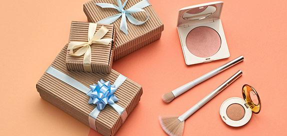 Makeup Gifts and Sets
