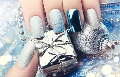 Top 9 Christmas Day Nail Art Ideas