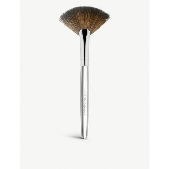 Trish Mcevoy Brush 62 Fan Cosmetify